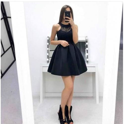 Черна дамска рокля с дантела
