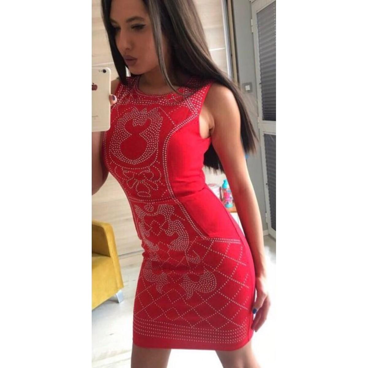 Червена дамска рокля