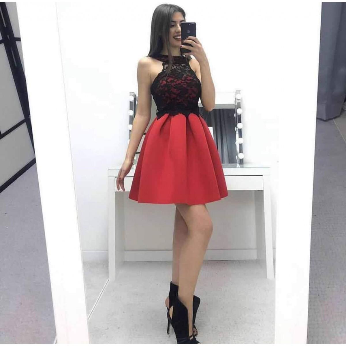 Червена дамска рокля с дантела