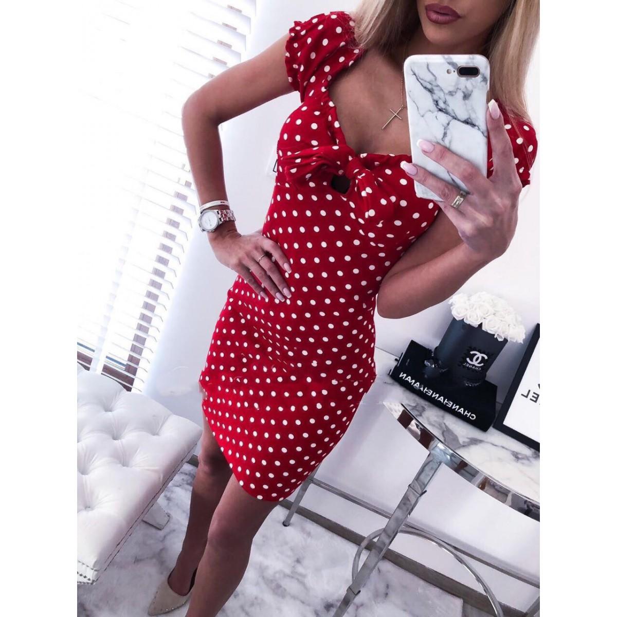 6990f9a4c39 Червена рокля на точки - Damski.bg