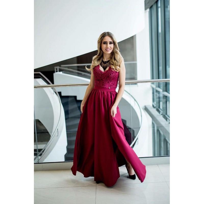 Дълга елегантна рокля в бордо