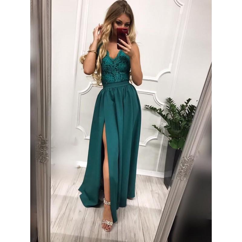 Дълга елегантна рокля в зелено