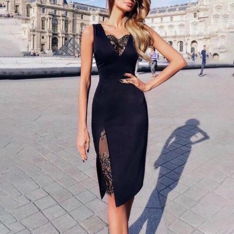 Дамска черна рокля с цепка