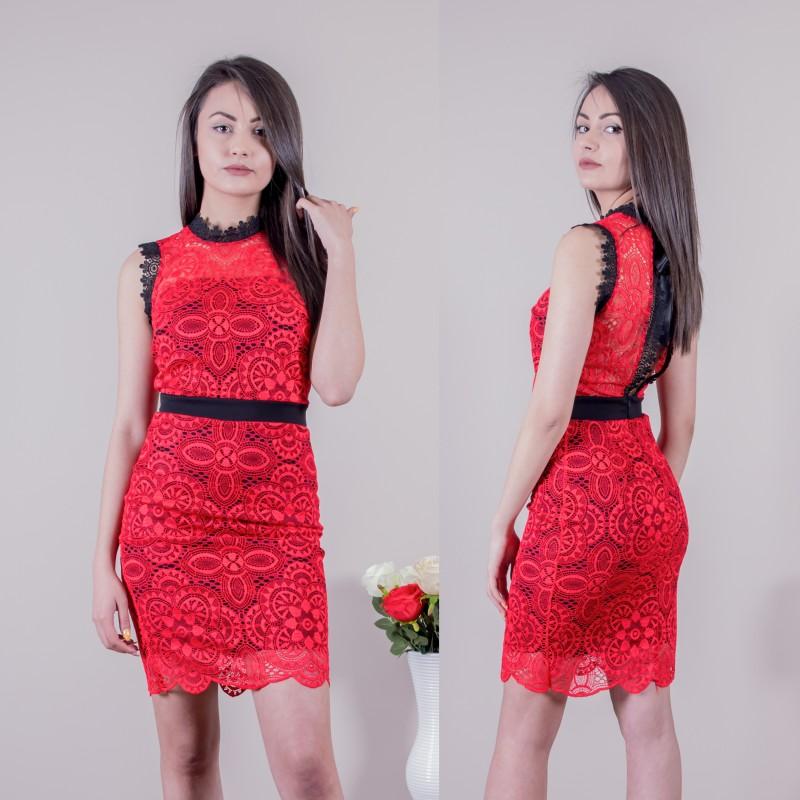 Дамска къса рокля в червено