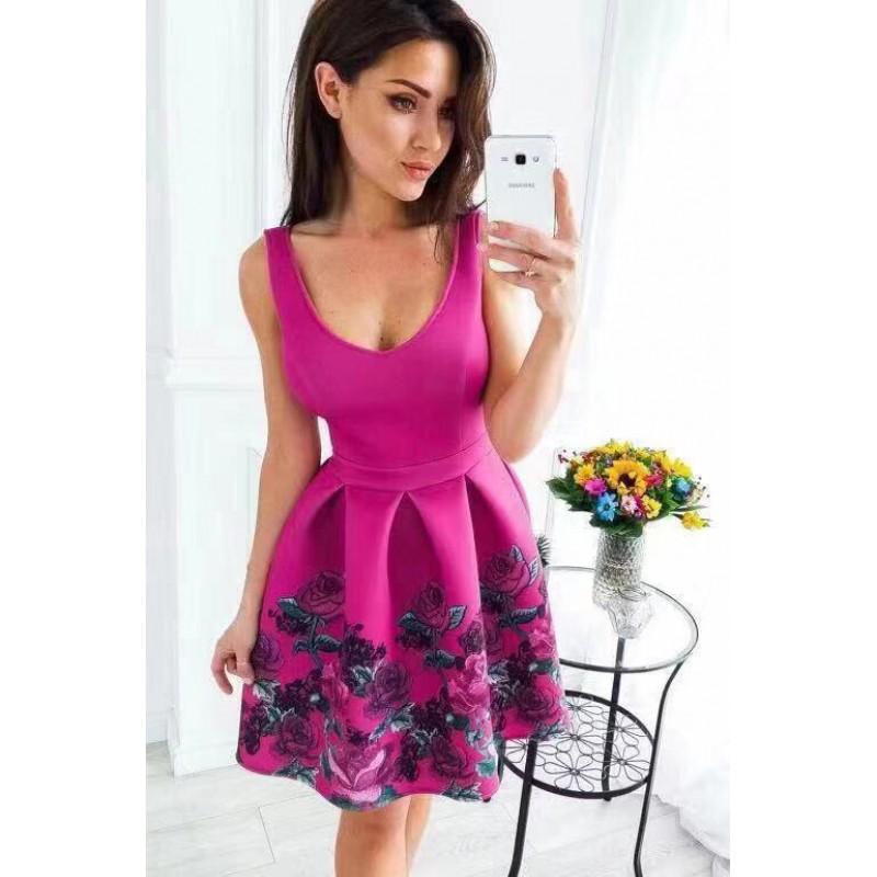 Дамска розова рокля с флорален мотив