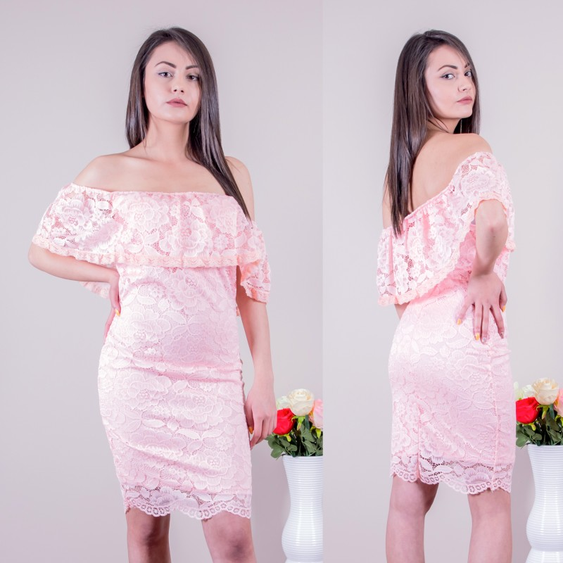 Дантелена рокля в розово