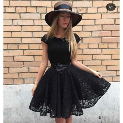 Кокетна дамска рокля - черна