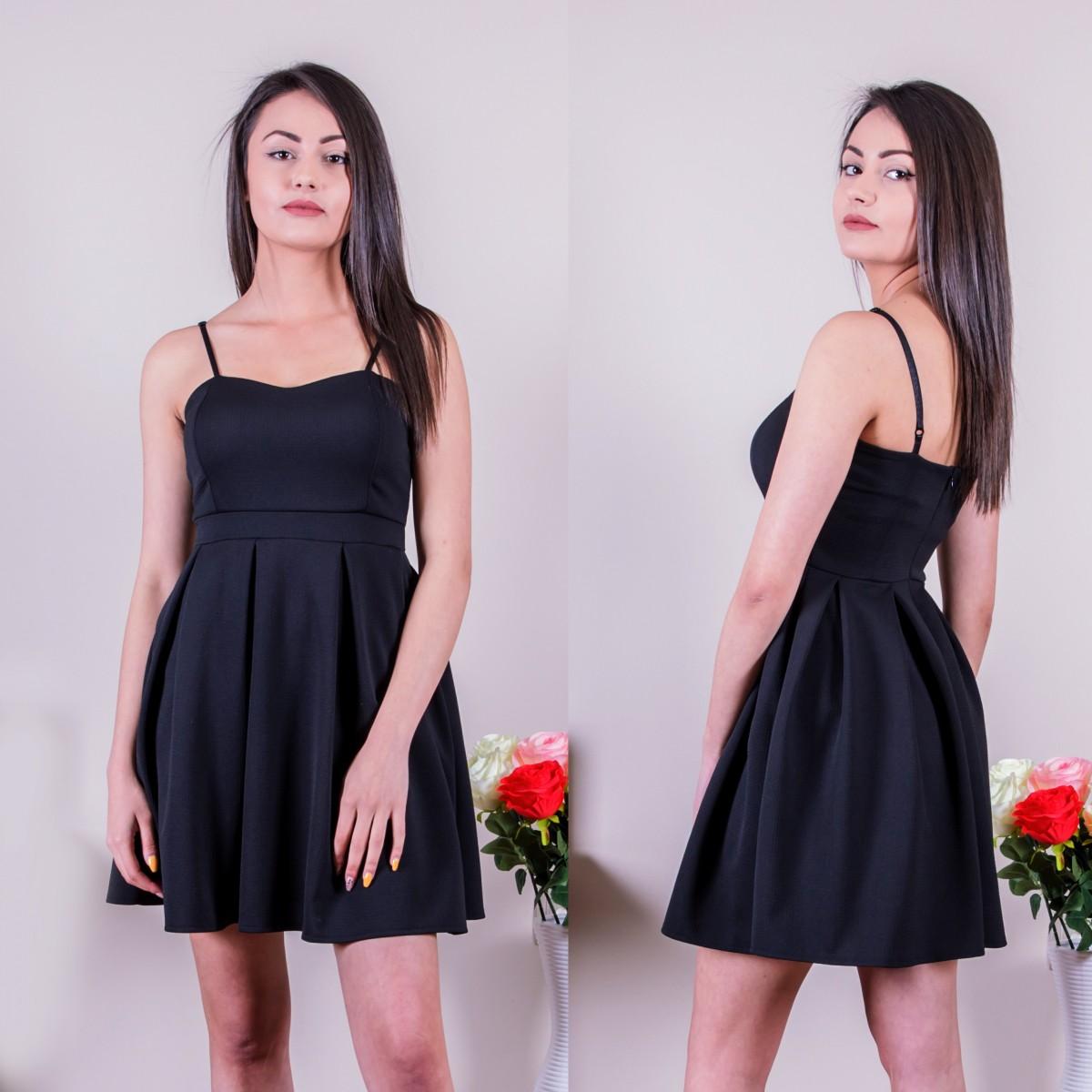 Кокетна рокля в черно
