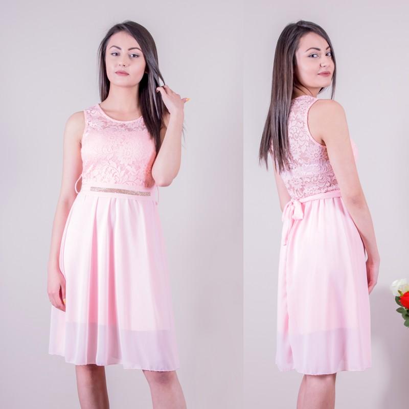 Розова дамска рокля с коланче