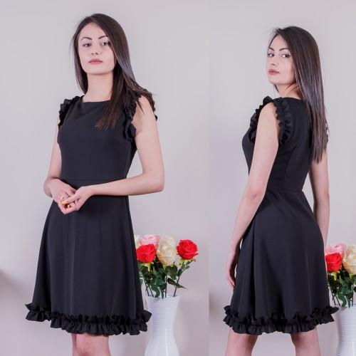 Сладурска дамска рокля в черно