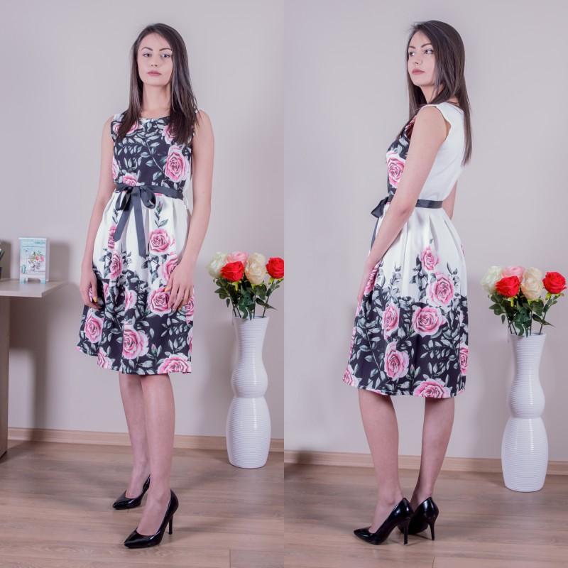 Страхотна дамска рокля с цветя