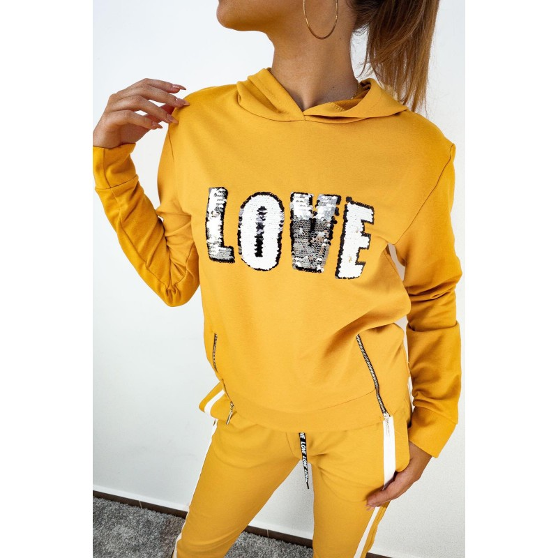 Блуза с дълъг ръкав в жълт цвят - LOVE