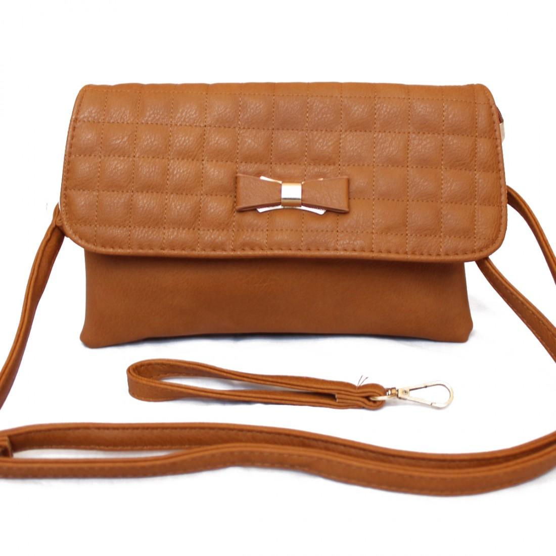 Дамска чанта през рамо Кари - кафява