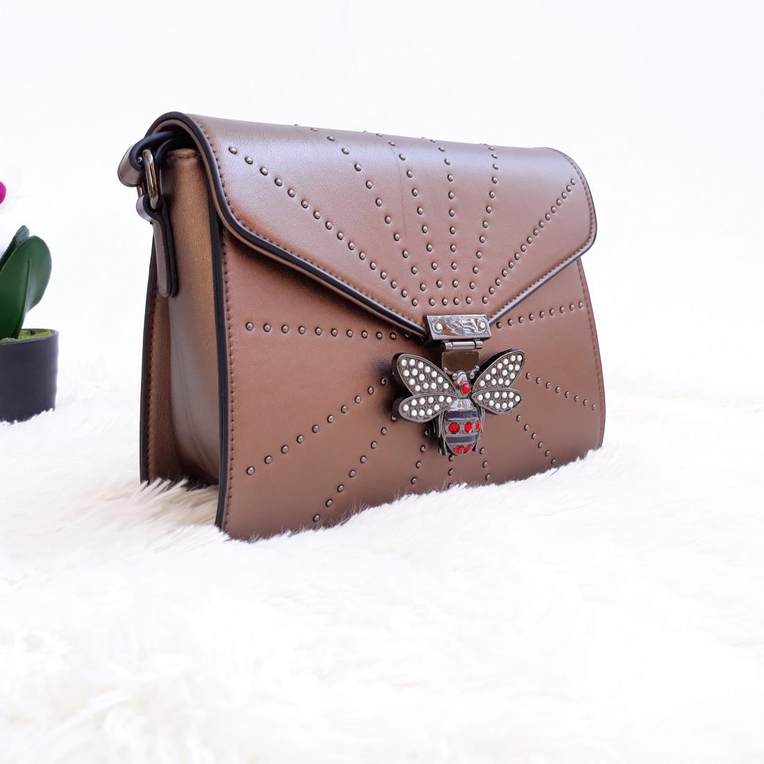 Дамска чанта през рамо - код 2828 - кафява