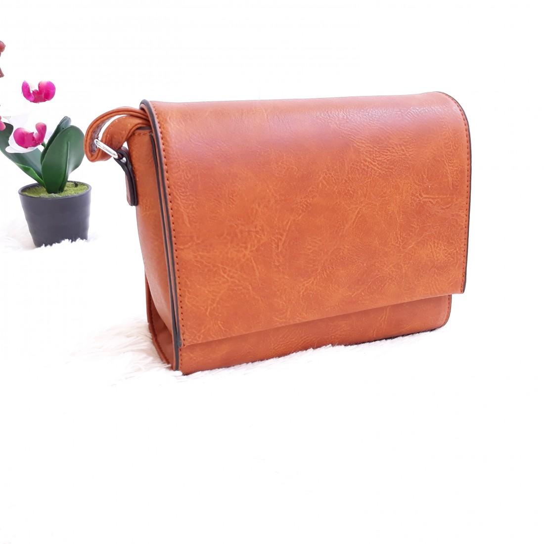 Дамска чанта през рамо - код 2831 - кафяв