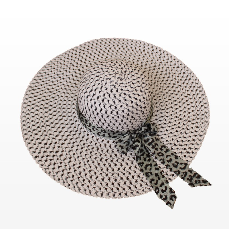 Плажна шапка с голяма периферия и шалче