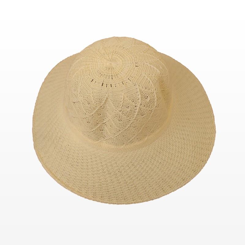 Плажни шапки в бежово