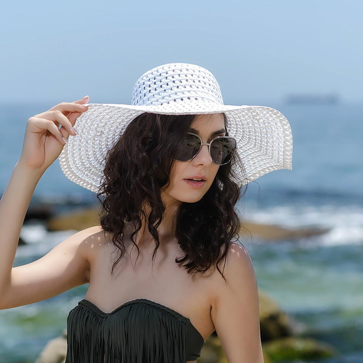 Плажни шапки в бяло Снимка 2 от 4