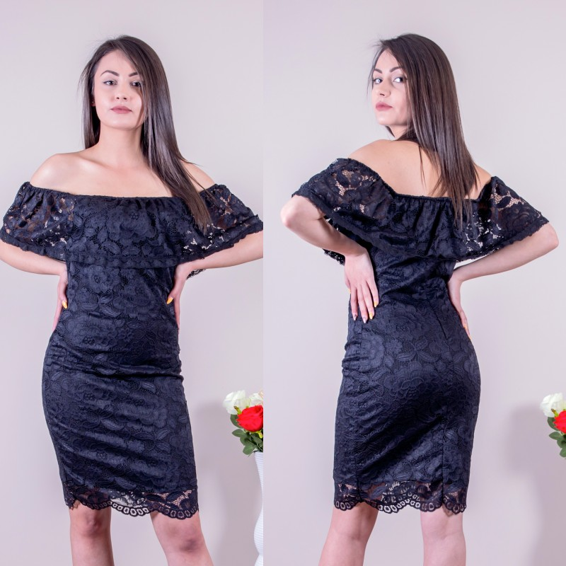 Дантелена черна рокля