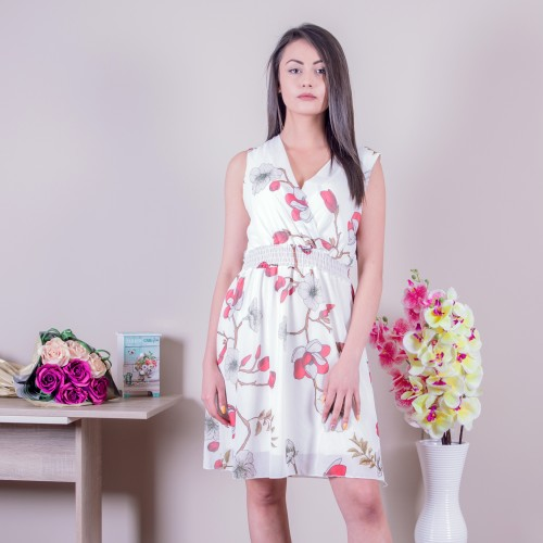 Ежедневна дамска рокля в бяло
