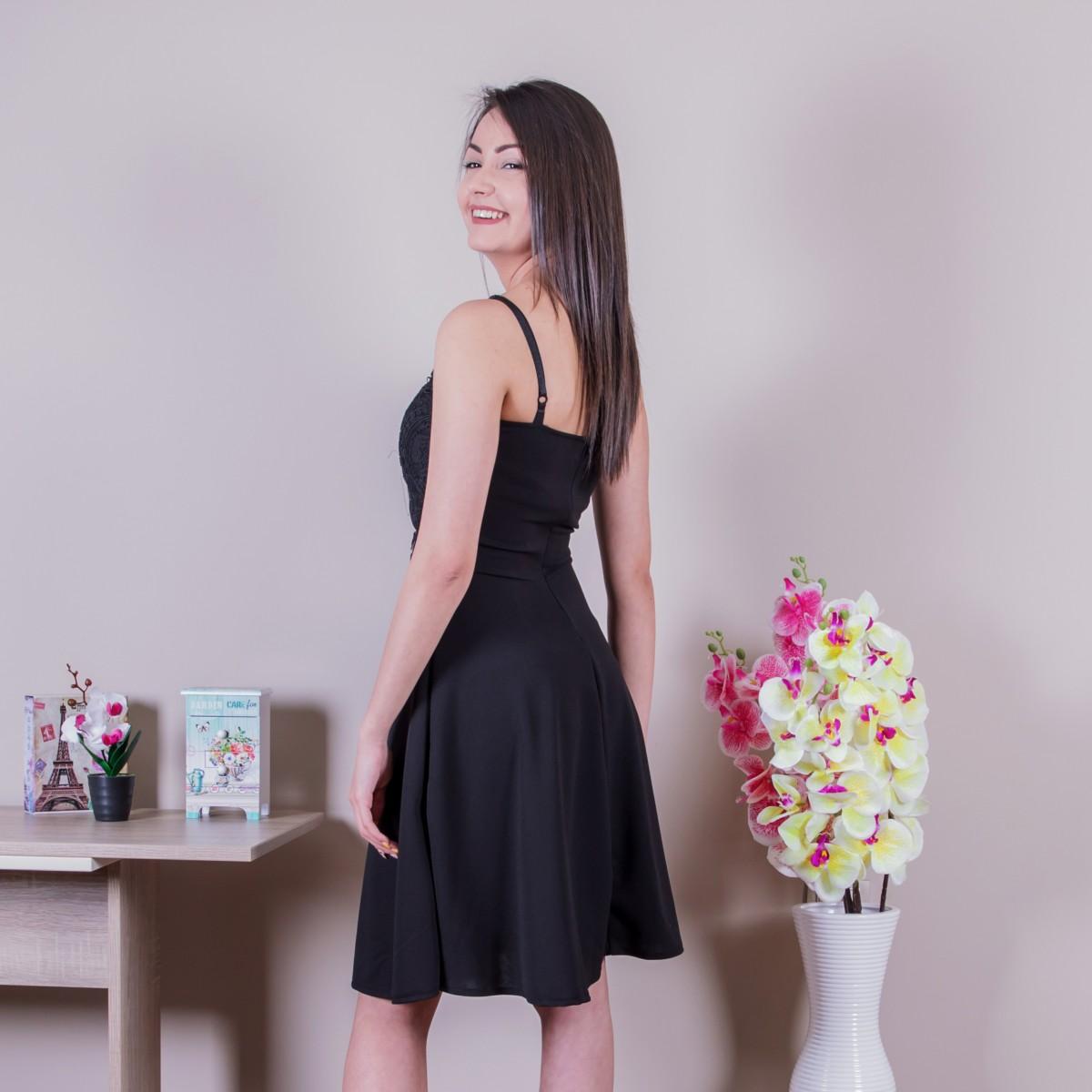 Нежна дамска рокля в черно с дантела Снимка 2 от 2
