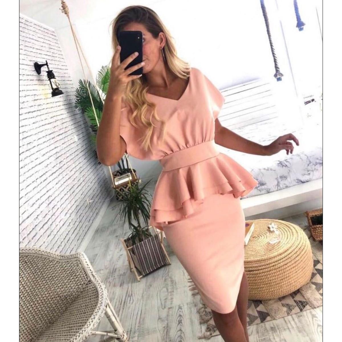 Розова дамска рокля