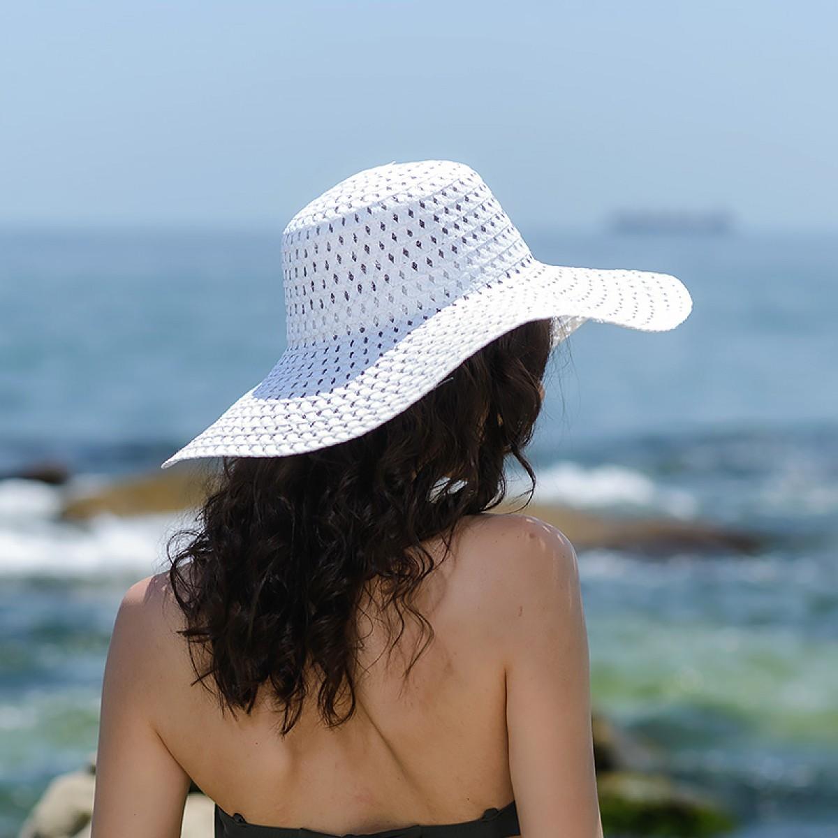 Плажни шапки в бяло Снимка 3 от 4
