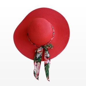 Плажна шапка в червен цвят